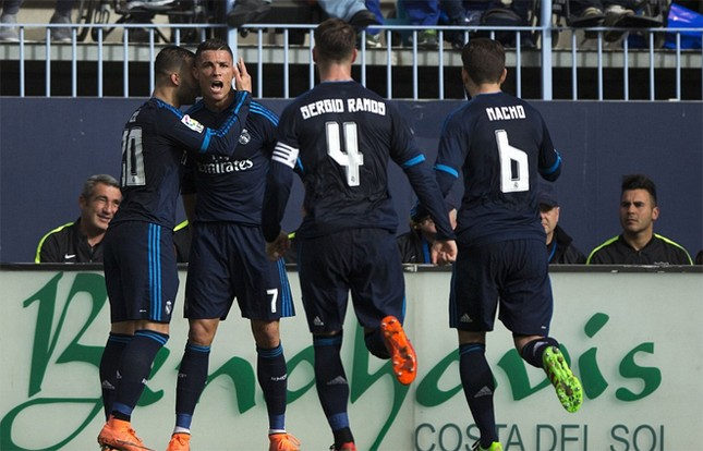 Ronaldo khoe cơ bắp và tuyên bố 'không cần ngày nghỉ' ảnh 5