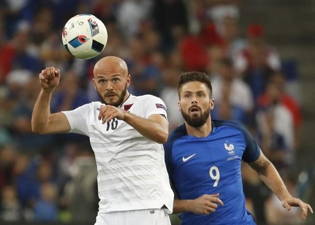 Tám cầu thủ hứa hẹn 'đổi đời' sau EURO 2016 ảnh 6