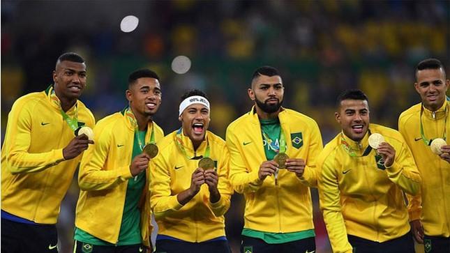 Neymar và khoảnh khắc đi vào lịch sử bóng đá Brazil ảnh 1