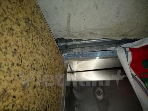Nghi vấn rơi thang máy chung cư ở Hà Nội, 1 người mắc kẹt ảnh 1
