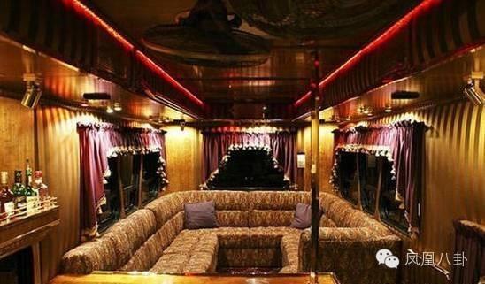 Xe sang tiện nghi như khách sạn của sao showbiz Trung Quốc ảnh 8