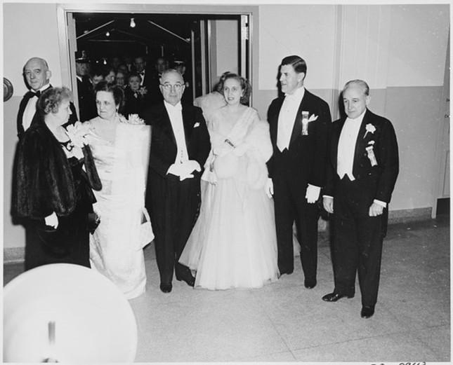 Bàn tiệc lễ nhậm chức qua các đời tổng thống Mỹ ảnh 4