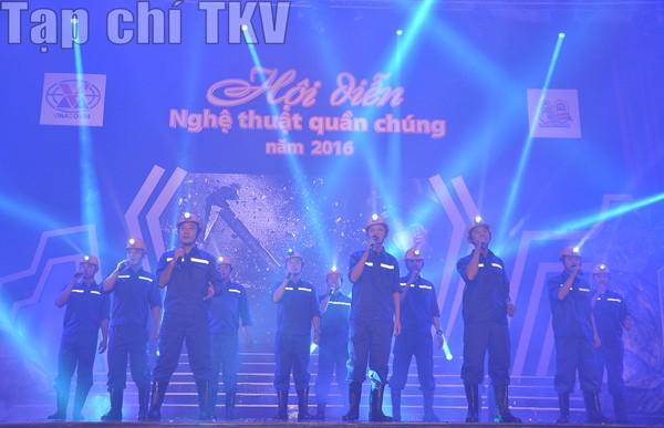 Khai mạc Hội diễn Nghệ thuật quần chúng TKV năm 2016 ảnh 6