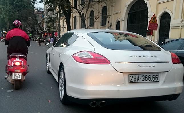 Tận thấy những biển số ô tô siêu đẹp trên đường phố Hà thành ảnh 11