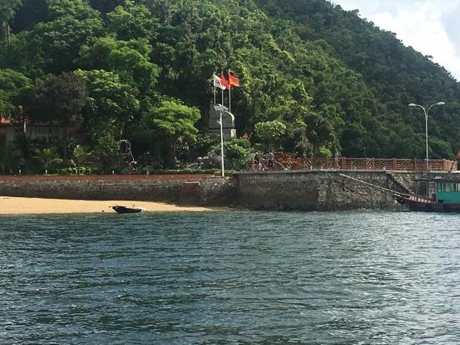 Hàng loạt công trình xây trái phép trên vịnh Bái Tử Long sẽ bị xử lý ảnh 3