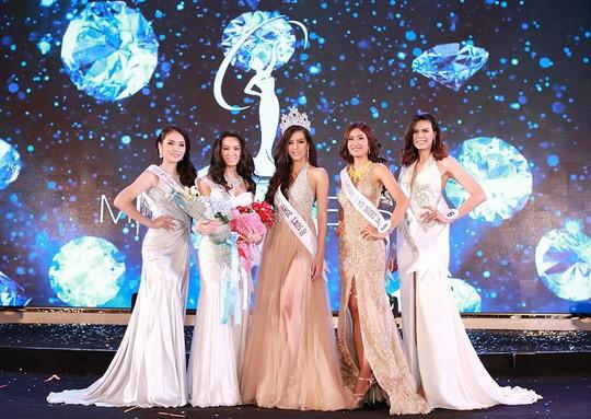 Cận cảnh nhan sắc Hoa hậu Hoàn vũ đầu tiên của Lào ảnh 8