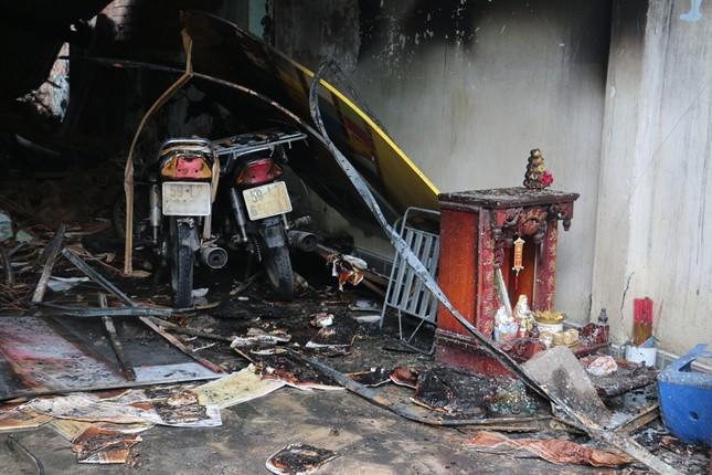 Cháy nhà lúc pha chế sơn, 3 người thương vong ảnh 2