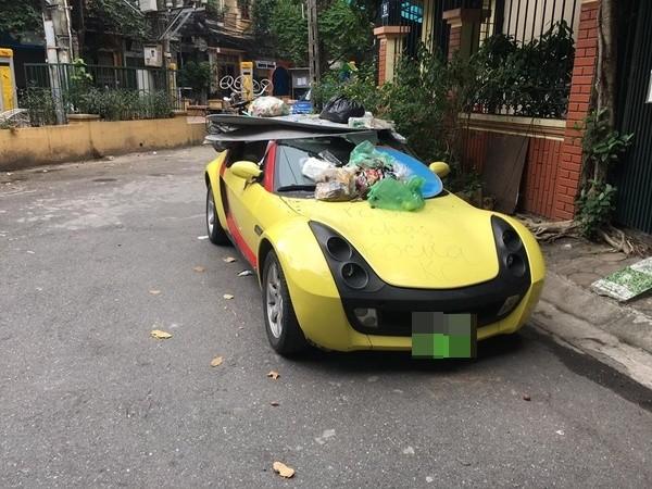 Chủ nhà tặng quà cho chủ xe Smart Roadster bị dân mạng ném đá ảnh 1