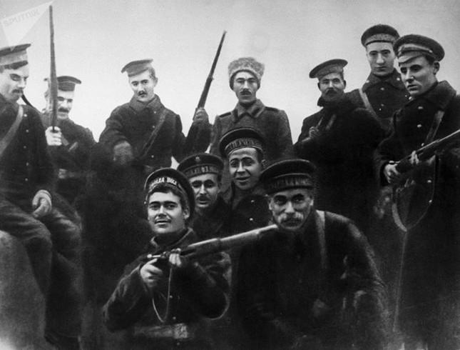 Ảnh hiếm về cuộc Cách mạng Tháng Mười Nga 100 năm trước ảnh 8