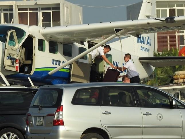 'Nữ tướng' Facebook thăm vịnh Hạ Long, đi thủy phi cơ về Hà Nội ảnh 2