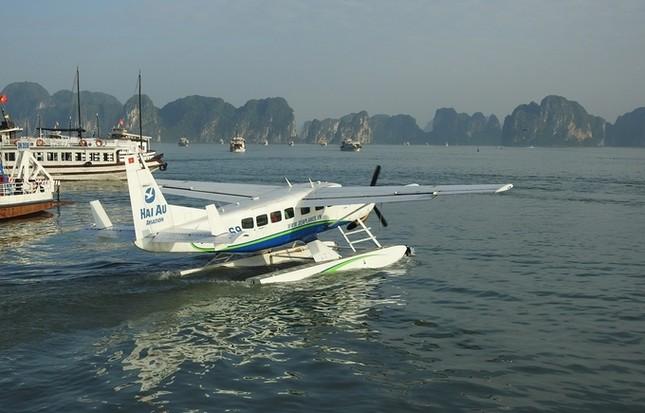 'Nữ tướng' Facebook thăm vịnh Hạ Long, đi thủy phi cơ về Hà Nội ảnh 5