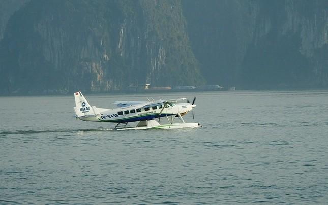 'Nữ tướng' Facebook thăm vịnh Hạ Long, đi thủy phi cơ về Hà Nội ảnh 6