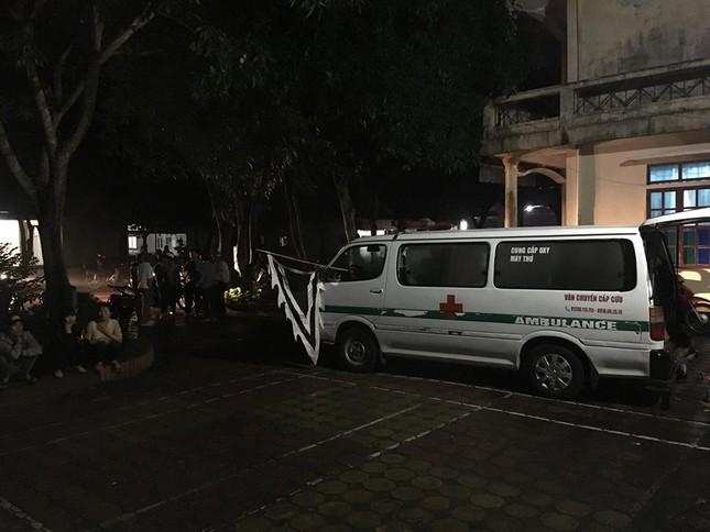 Sản phụ tử vong, hàng trăm người nhà bao vây bệnh viện trong đêm ảnh 1