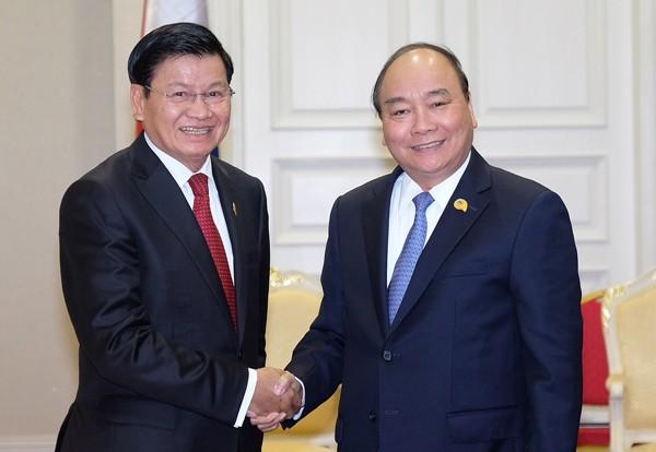 Thủ tướng Nguyễn Xuân Phúc ăn trưa với Thủ tướng Campuchia ảnh 1