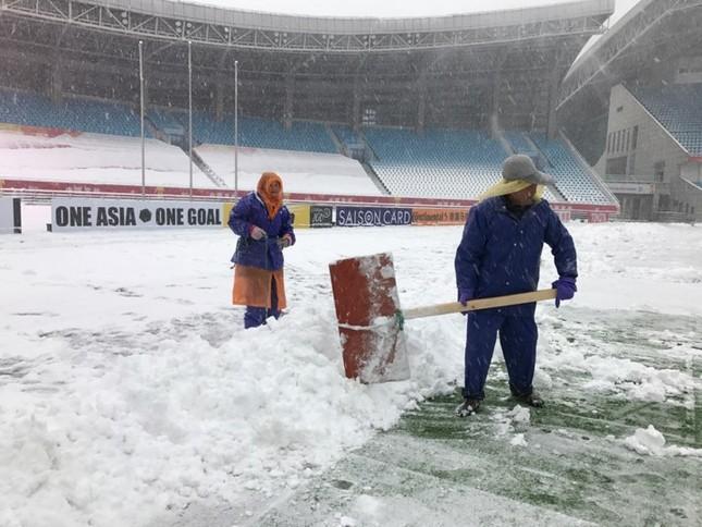 Tuyết phủ kín sân đấu trận chung kết U23 Việt Nam-U23 Uzbekistan ảnh 4