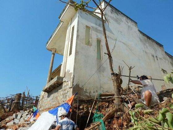 Hàng chục căn nhà có nguy cơ bị biển 'nuốt chửng' ở Phan Thiết ảnh 6
