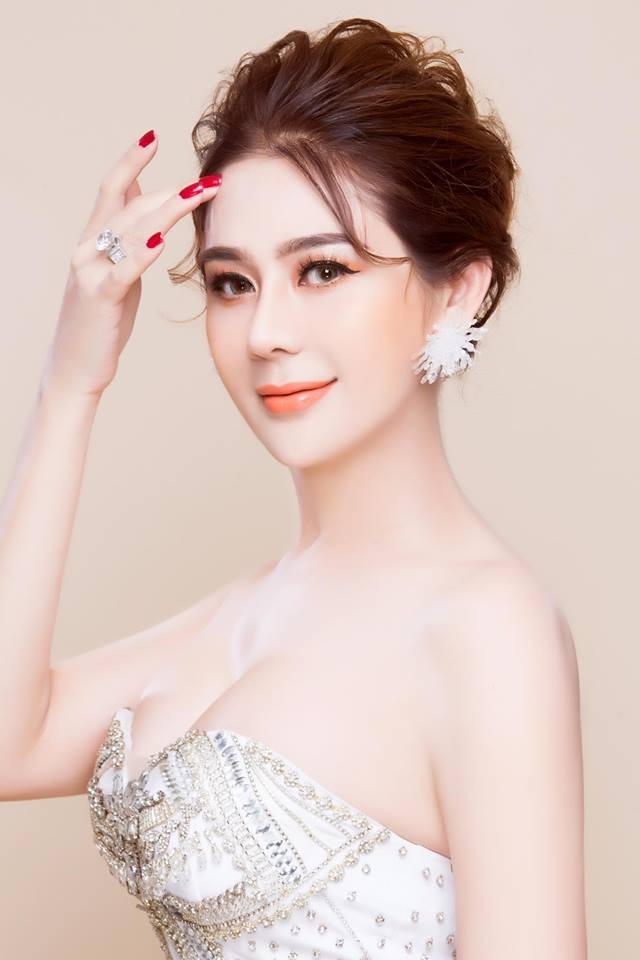 Lâm Khánh Chi tung ảnh khoe vòng 1 gợi cảm hot nhất 8/3 ảnh 7