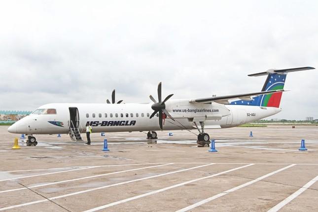 Máy bay chở 71 người bốc cháy tại sân bay Nepal ảnh 1