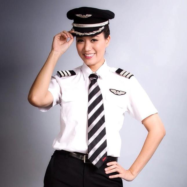 Hoa hậu bỏ showbiz làm cơ trưởng khiến MC Kỳ Duyên nể là ai? ảnh 2