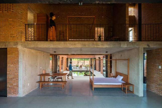 Cuộc sống thư giãn trong ngôi nhà 'thủng mái' ở Long An ảnh 10