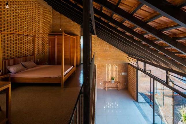 Cuộc sống thư giãn trong ngôi nhà 'thủng mái' ở Long An ảnh 11