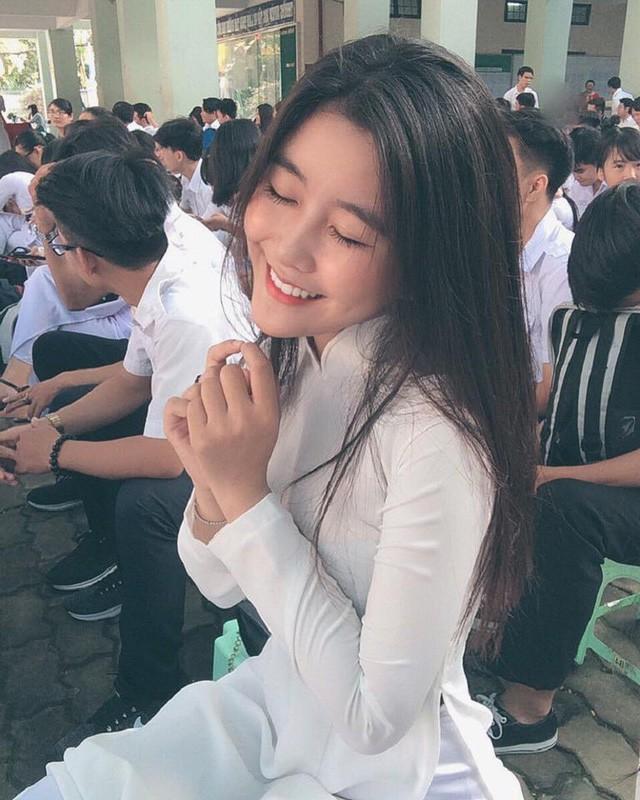 'Thiên thần áo dài' Việt được báo Hàn gọi là 'nữ thần không góc chết' ảnh 3