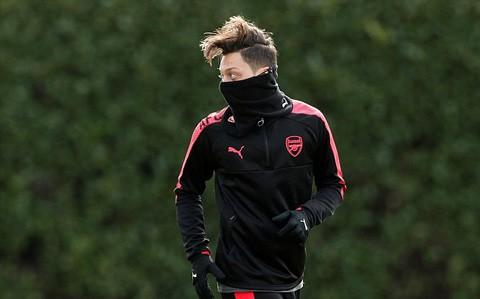 Hàng thủ Arsenal đón tin vui trước cuộc tái đấu Milan ảnh 4