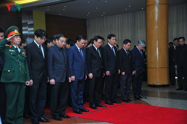Toàn cảnh lễ viếng nguyên Thủ tướng Phan Văn Khải tại TPHCM và Hà Nội ảnh 17