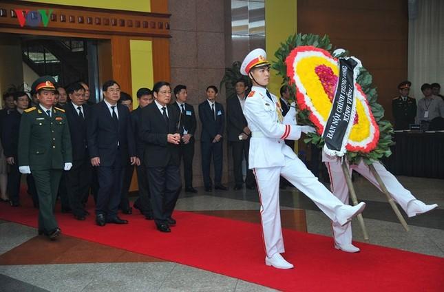 Toàn cảnh lễ viếng nguyên Thủ tướng Phan Văn Khải tại TPHCM và Hà Nội ảnh 19