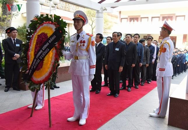 Toàn cảnh lễ viếng nguyên Thủ tướng Phan Văn Khải tại TPHCM và Hà Nội ảnh 20