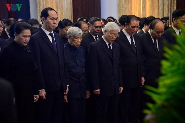 Toàn cảnh lễ viếng nguyên Thủ tướng Phan Văn Khải tại TPHCM và Hà Nội ảnh 5
