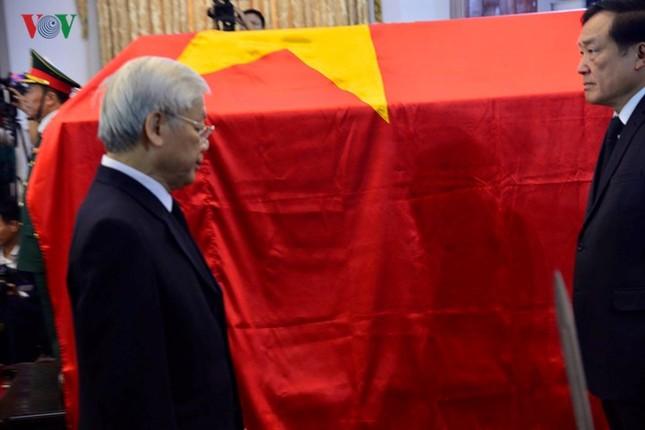 Toàn cảnh lễ viếng nguyên Thủ tướng Phan Văn Khải tại TPHCM và Hà Nội ảnh 6