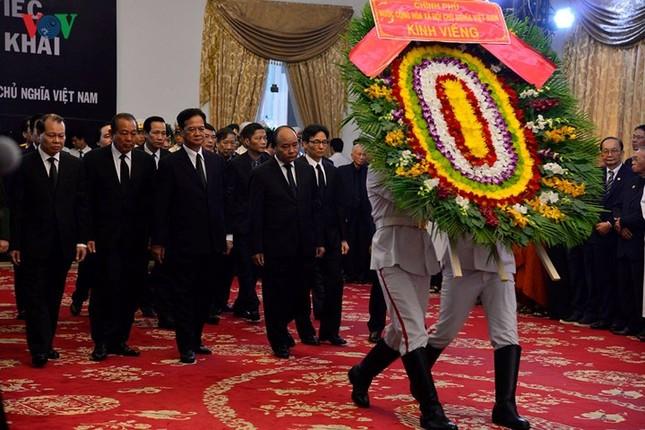 Toàn cảnh lễ viếng nguyên Thủ tướng Phan Văn Khải tại TPHCM và Hà Nội ảnh 8