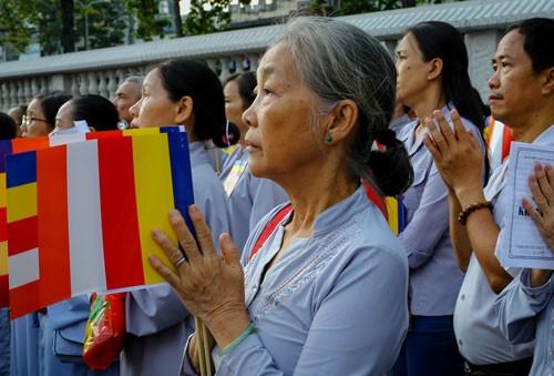 Hàng nghìn người Sài Gòn mừng đại lễ Phật đản ảnh 1