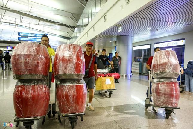 Người hâm mộ, các 'sao' 'tiếp lửa' cho Olympic Việt Nam từ mờ sáng ảnh 11