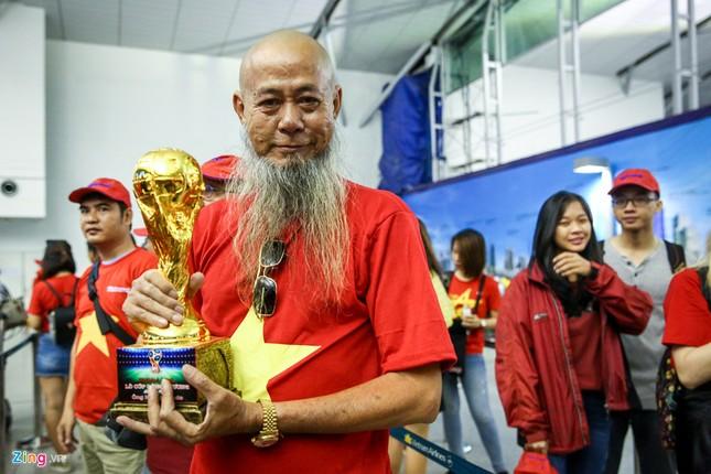 Người hâm mộ, các 'sao' 'tiếp lửa' cho Olympic Việt Nam từ mờ sáng ảnh 5