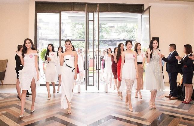 Léman Luxury Apartments chào đón 43 thí sinh HHVN 2018 đến nhà chung ảnh 2
