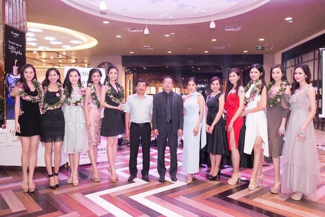 Léman Luxury Apartments chào đón 43 thí sinh HHVN 2018 đến nhà chung ảnh 3