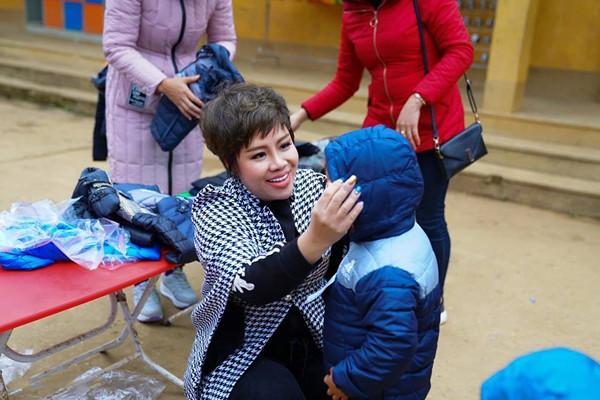 Tập đoàn TLM trao yêu thương đến học sinh nghèo vùng cao Tủa Chùa ảnh 2