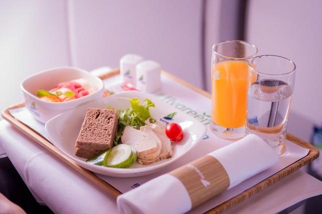 Chuyến bay đặc biệt của Bamboo Airways khởi đầu hành trình 'bay Xanh' ảnh 4