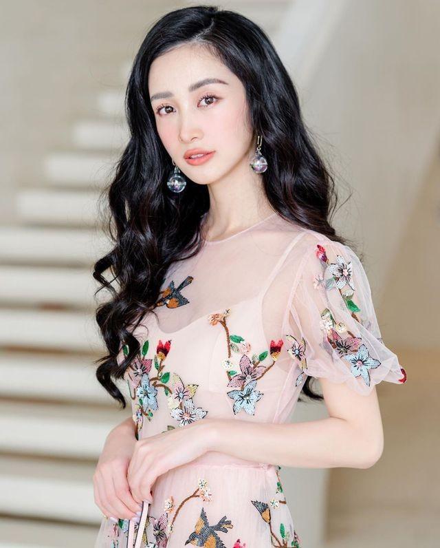 Hot girl Jun Vũ khoe tậu xe sang mừng sinh nhật tuổi 24 ảnh 2