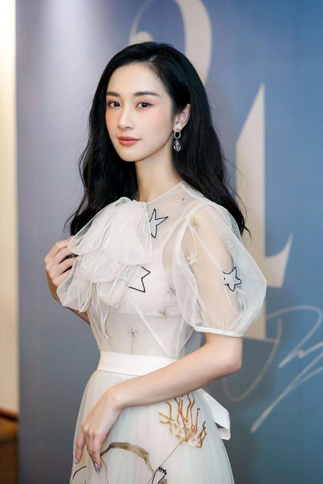Hot girl Jun Vũ khoe tậu xe sang mừng sinh nhật tuổi 24 ảnh 4
