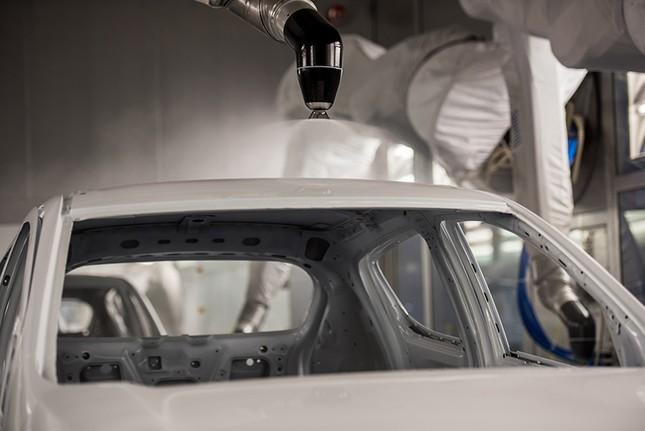 Khám phá xưởng sơn 'xanh - sạch - sang - xịn - mịn' nhà máy VinFast ảnh 5