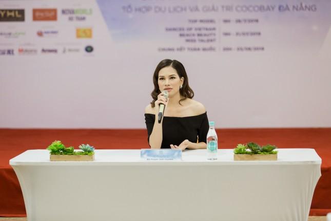 Trước đêm Chung kết, thí sinh Miss World Vietnam 2019 nhận được điều bất ngờ ảnh 4