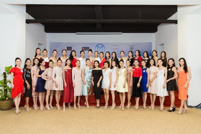 Trước đêm Chung kết, thí sinh Miss World Vietnam 2019 nhận được điều bất ngờ ảnh 7