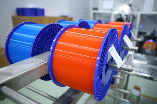 Việt Nam có nhà máy sản xuất sợi quang đầu tiên của khu vực Đông Nam Á ảnh 1