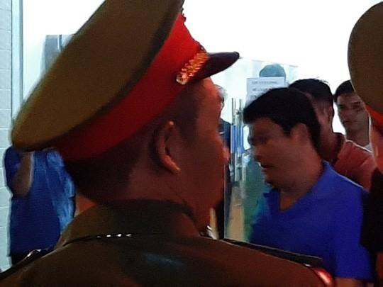 Giang hồ vây xe công an: Nguyễn Tấn Lương bị khởi tố thêm tội trốn thuế ảnh 1