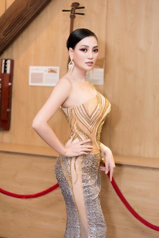 CEO Trần Huyền Nhung body chuẩn tựa người mẫu ảnh 3