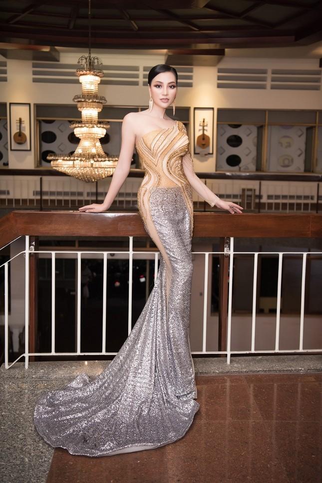 CEO Trần Huyền Nhung body chuẩn tựa người mẫu ảnh 5