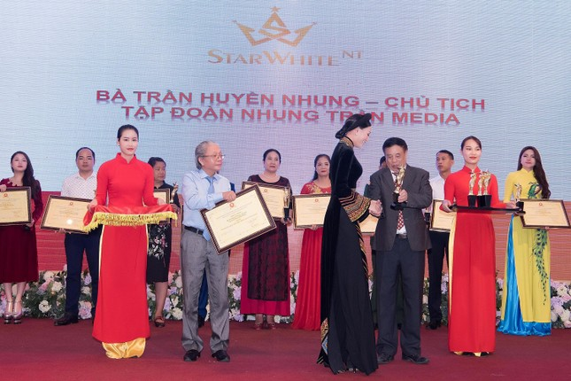 Nhung Tran Media Group lọt Top 10 doanh nghiệp tiêu biểu Asean ảnh 10